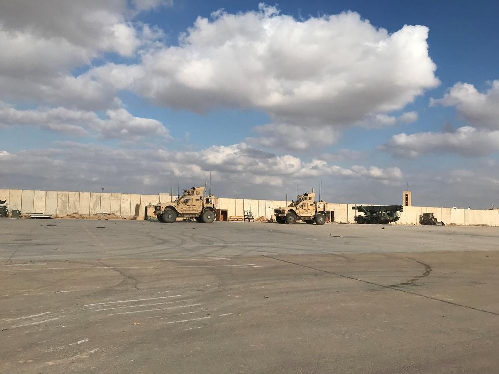NÓNG: Căn cứ Không quân Mỹ ở Iraq bị tấn công - Tin mới nhất - Ảnh 1.