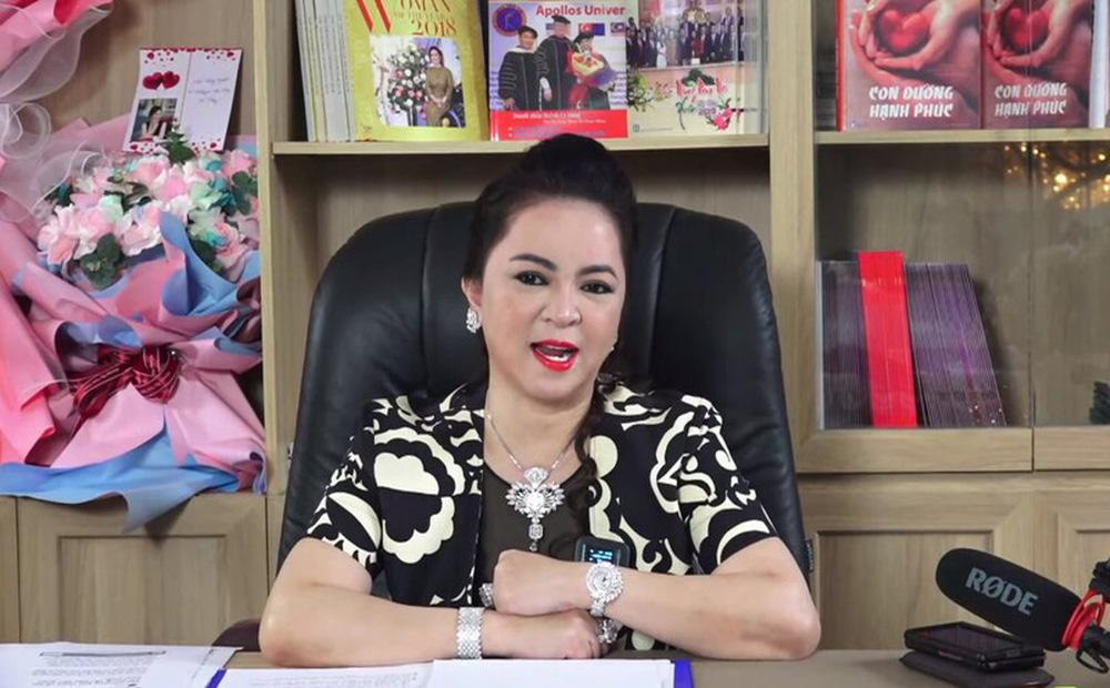 """Livestream phá vỡ kỷ lục của bà Phương Hằng: """"Bà Hằng hút vì nội dung của bà chất!"""""""