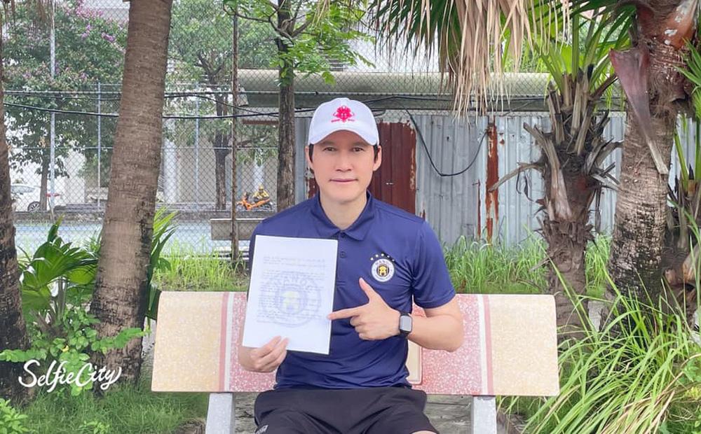 HLV Hàn Quốc của Hà Nội FC gửi lời chúc đặc biệt đến các tuyển thủ Quang Hải, Tấn Trường...