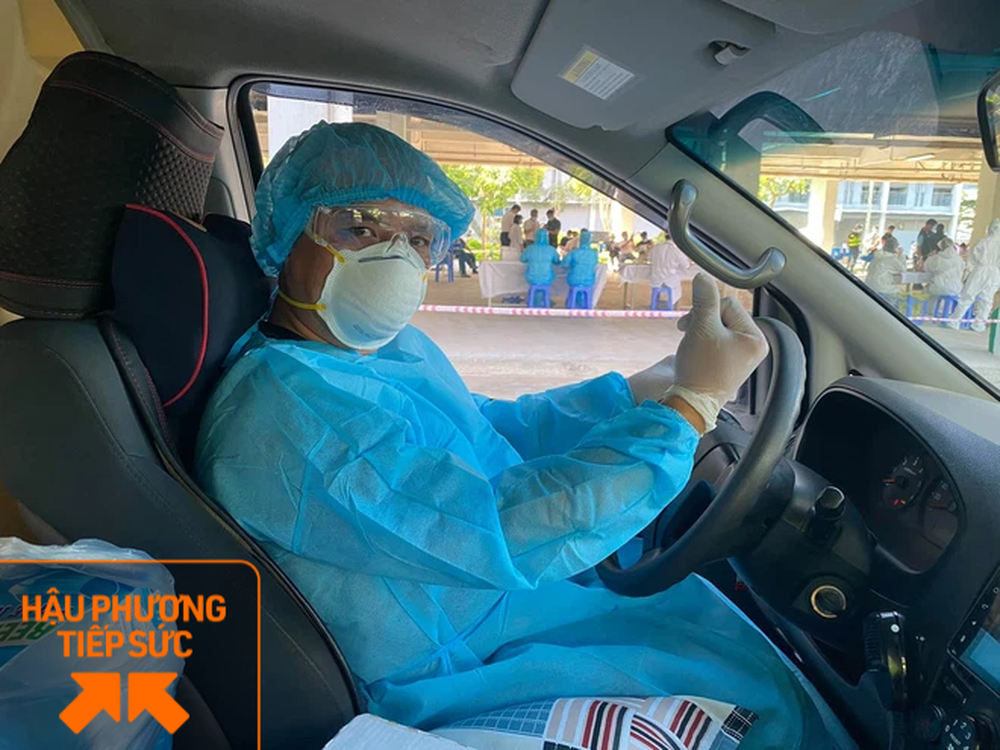 Trốn vợ con, 2 tài xế chạy xe cứu thương từ Nghệ An ra chi viện cho tâm dịch Bắc Giang - Ảnh 2.
