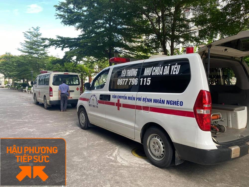 Trốn vợ con, 2 tài xế chạy xe cứu thương từ Nghệ An ra chi viện cho tâm dịch Bắc Giang - Ảnh 4.