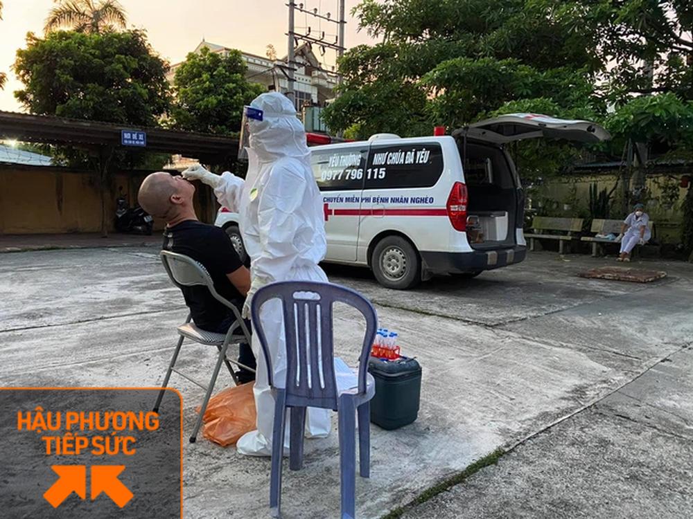 Trốn vợ con, 2 tài xế chạy xe cứu thương từ Nghệ An ra chi viện cho tâm dịch Bắc Giang - Ảnh 6.