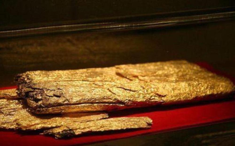 Chuyên gia khai quật được 5,5kg vàng trong lăng mộ, nửa năm sau đem cân đã hụt đi 1kg: Uẩn khúc ở đâu?
