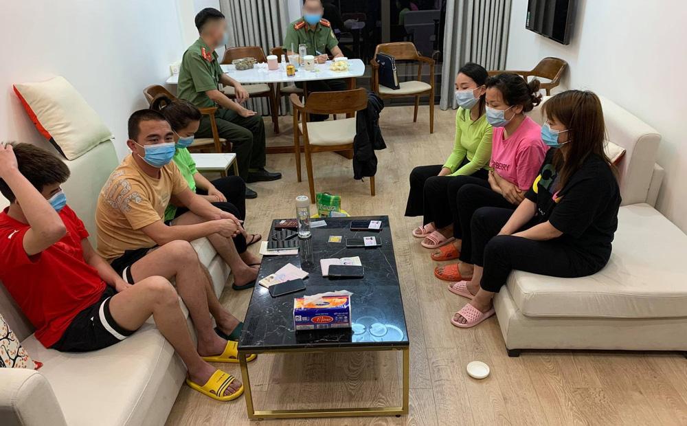 Xác định kẻ cầm đầu nhóm hơn 50 người Trung Quốc lưu trú trái phép tại Hà Nội