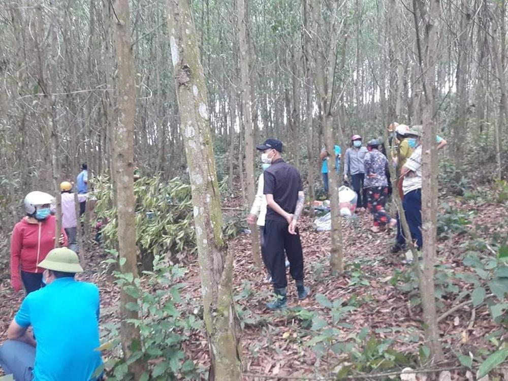 Sau nhiều ngày mất tích, người đàn ông được tìm thấy trong tình trạng treo cổ ở rừng keo - Ảnh 3.