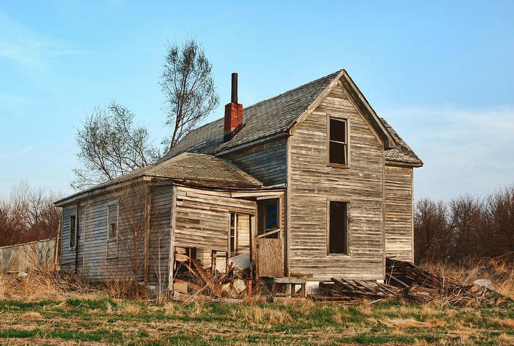 Tu sửa ngôi nhà bỏ hoang nhiều năm của ông bà, cháu trai phát hiện bí mật chưa từng được tiết lộ - Ảnh 2.