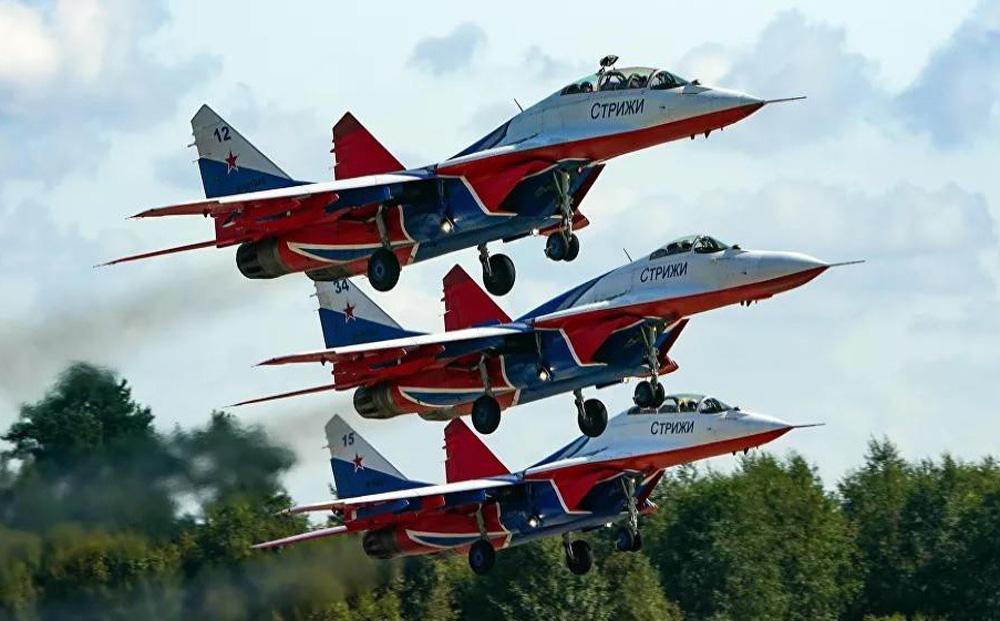 Những điều ít biết về phi đội nhào lộn huyền thoại chuyên bay MiG-29 của không quân Nga