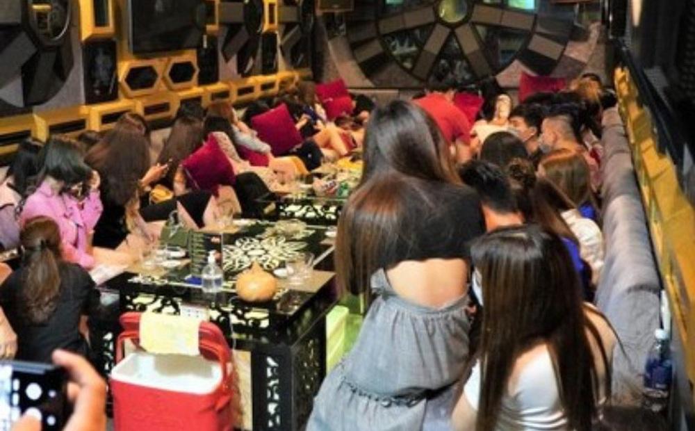 Chưa có ca nhiễm Covid-19, Nghệ An vẫn quyết định dừng karaoke, massage
