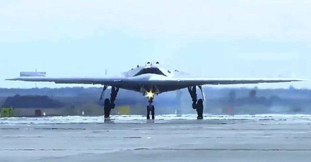 Vũ khí tấn công cảm tử của Nga: Hạ gục nhanh, tiêu diệt gọn một loạt mục tiêu trọng yếu - Ảnh 1.