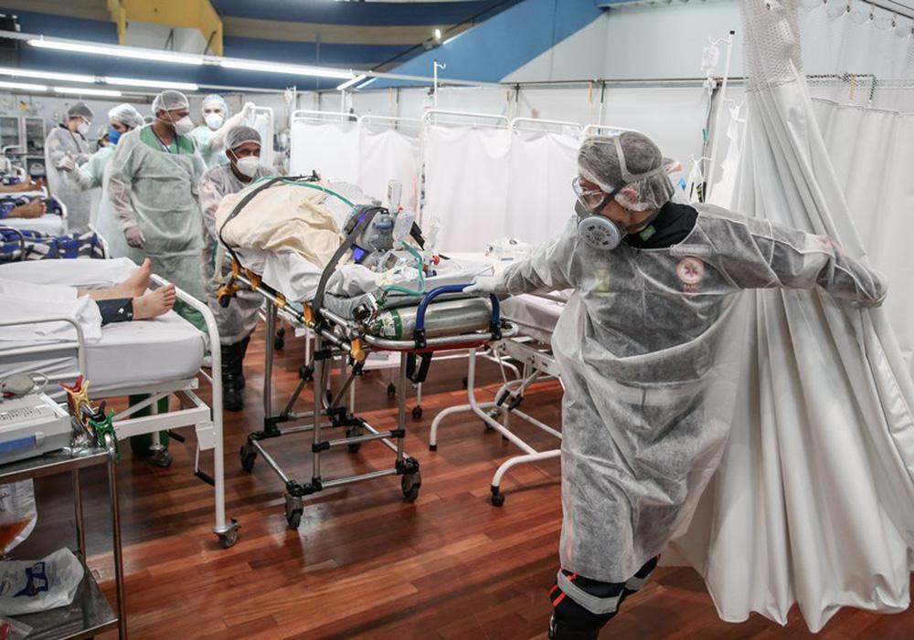 Quốc gia Nam Mỹ khốn khổ vì COVID-19: Vì sao dịch tái bùng phát và ngày càng khủng khiếp? - Ảnh 1.