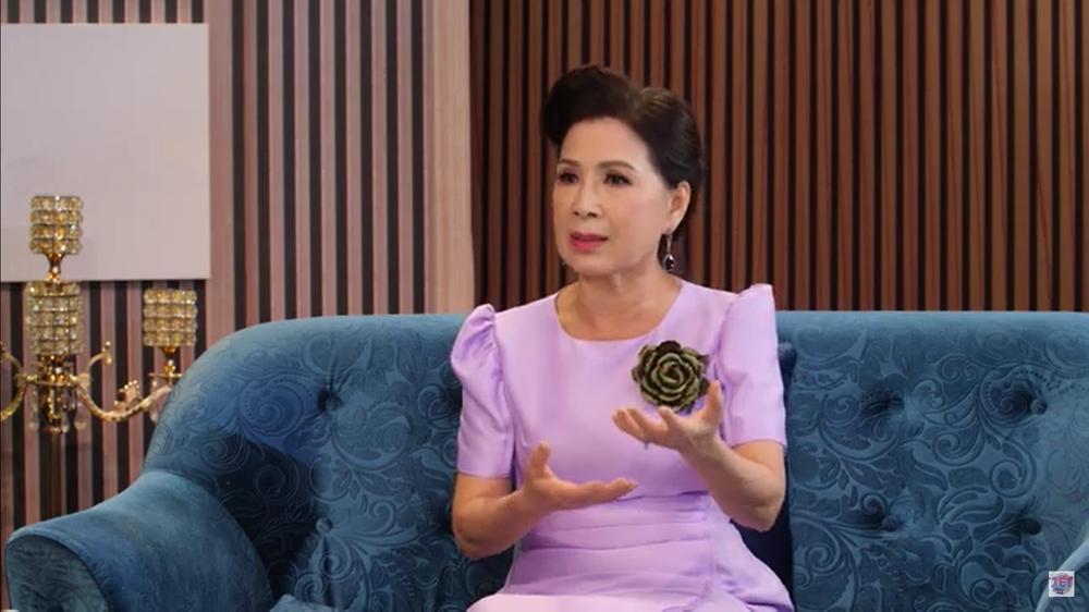 NSND Kim Xuân: Tôi phải cảm ơn chồng đã cùng tôi dựng lên ngôi nhà to như hiện nay - Ảnh 1.