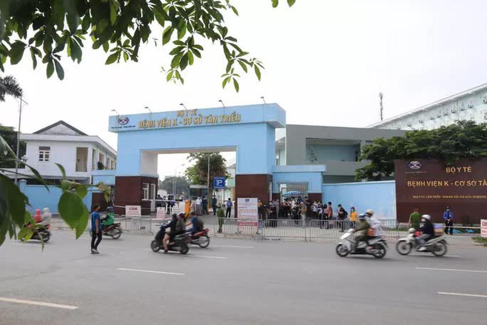 Cận cảnh Bệnh viện K Tân Triều dựng rào chắn, dừng tiếp nhận bệnh nhân  - Ảnh 2.