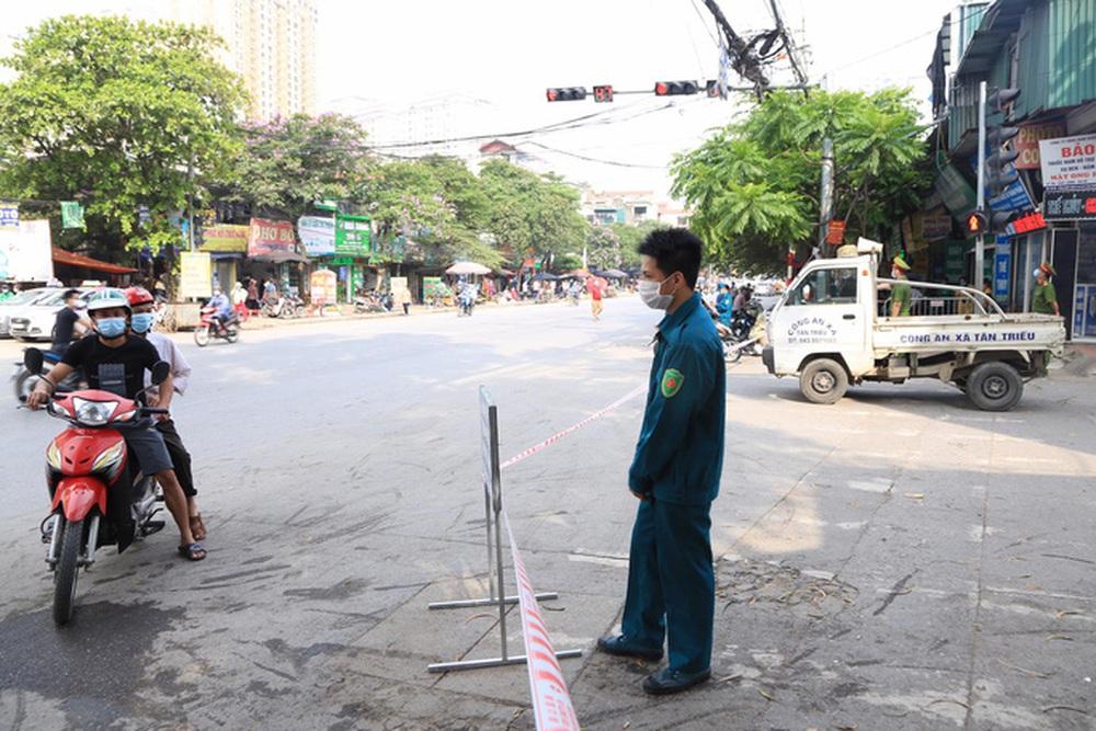 Cận cảnh Bệnh viện K Tân Triều dựng rào chắn, dừng tiếp nhận bệnh nhân  - Ảnh 3.
