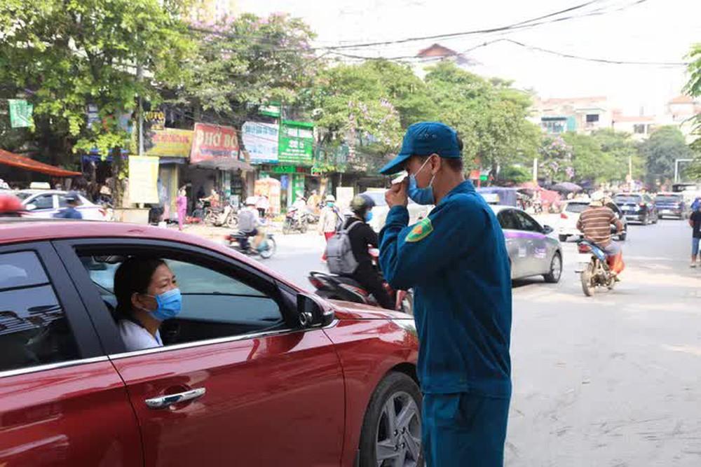 Cận cảnh Bệnh viện K Tân Triều dựng rào chắn, dừng tiếp nhận bệnh nhân  - Ảnh 4.