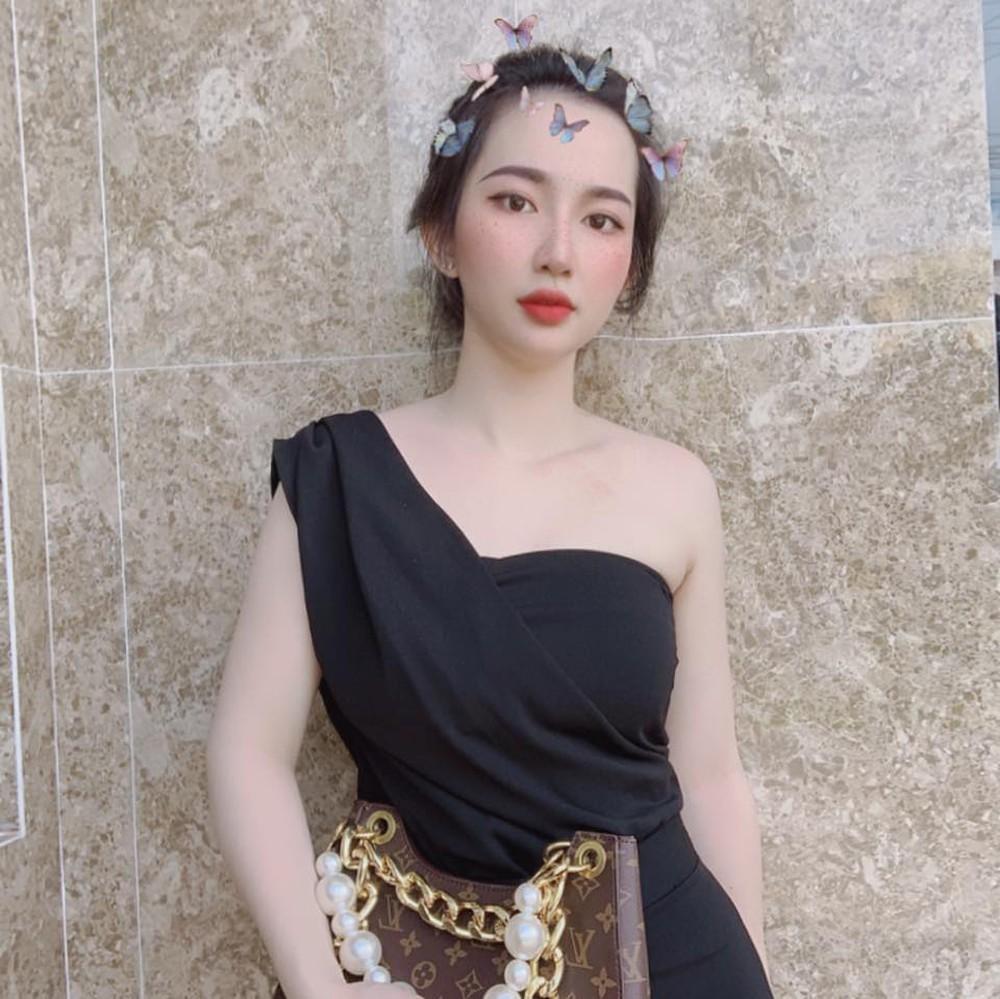 Em vợ Lê Dương Bảo Lâm xinh đẹp không kém hot girl - Ảnh 3.