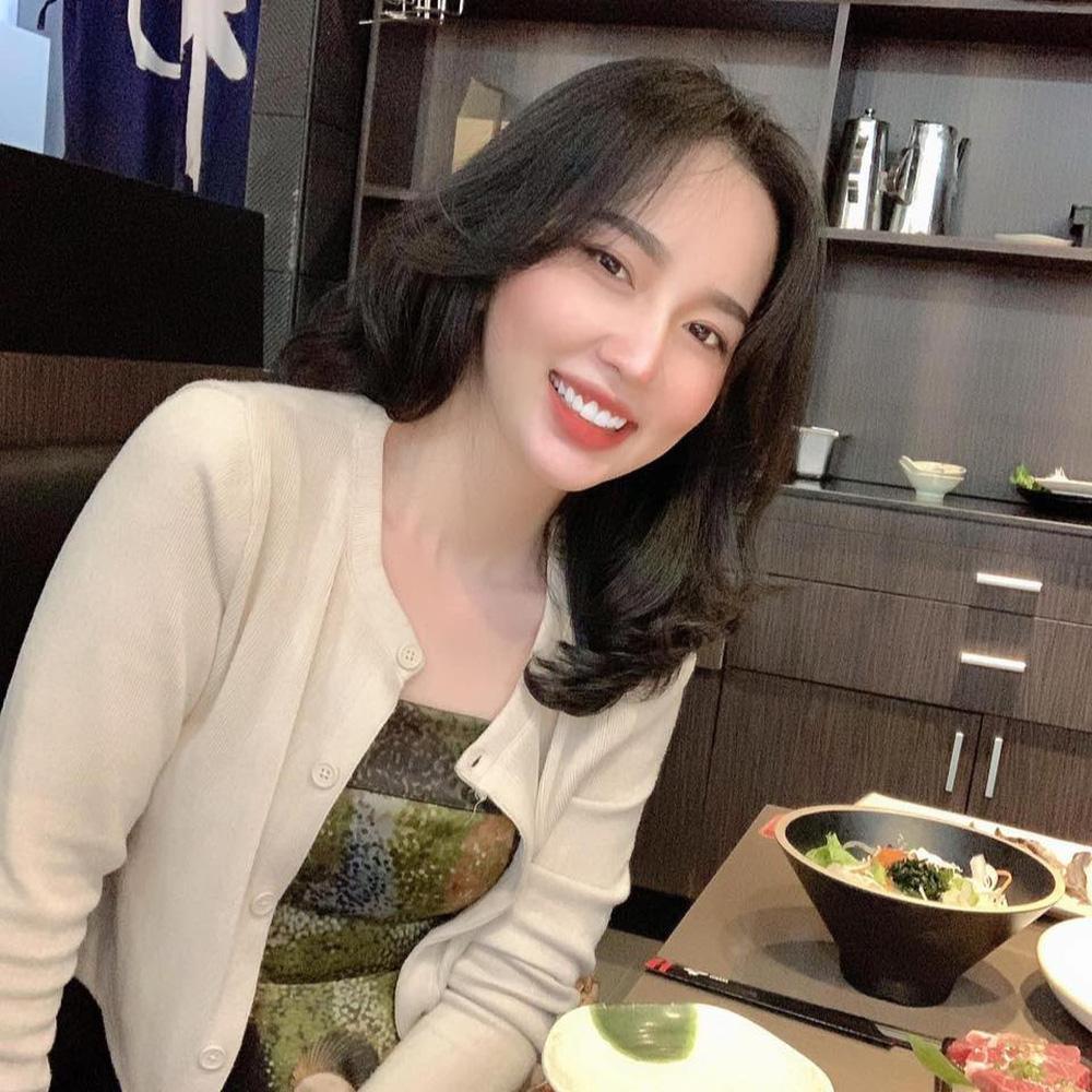 Em vợ Lê Dương Bảo Lâm xinh đẹp không kém hot girl - Ảnh 5.