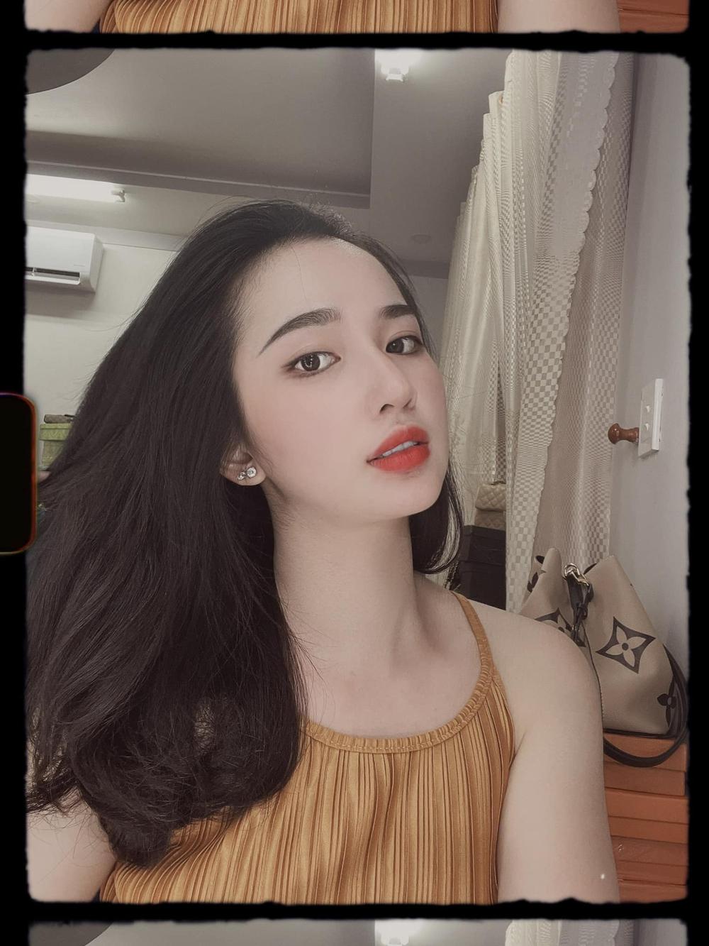 Em vợ Lê Dương Bảo Lâm xinh đẹp không kém hot girl - Ảnh 6.