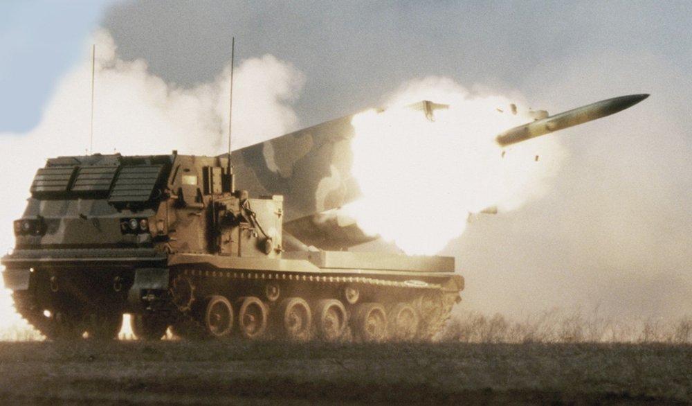 Nóng: Mỹ cả gan phóng 6 quả tên lửa về phía biên giới Nga, đòn đáp trả đang đến?  - Ảnh 1.