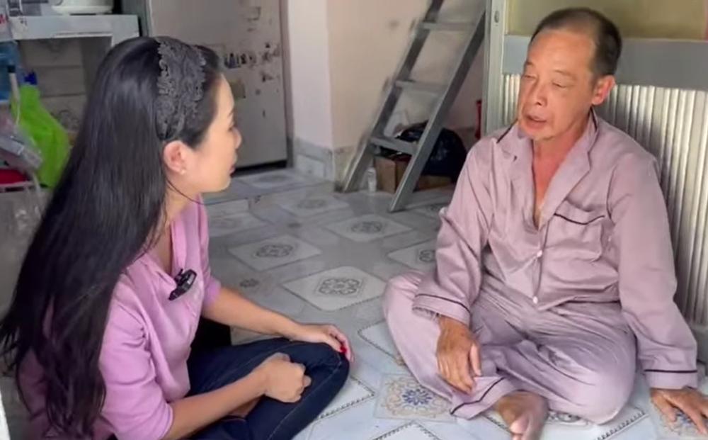 Nghệ sĩ Tuấn Anh bị đột quỵ, xuất huyết não, phải ở nhờ nhà, vợ chạy xe ôm, bán vé số