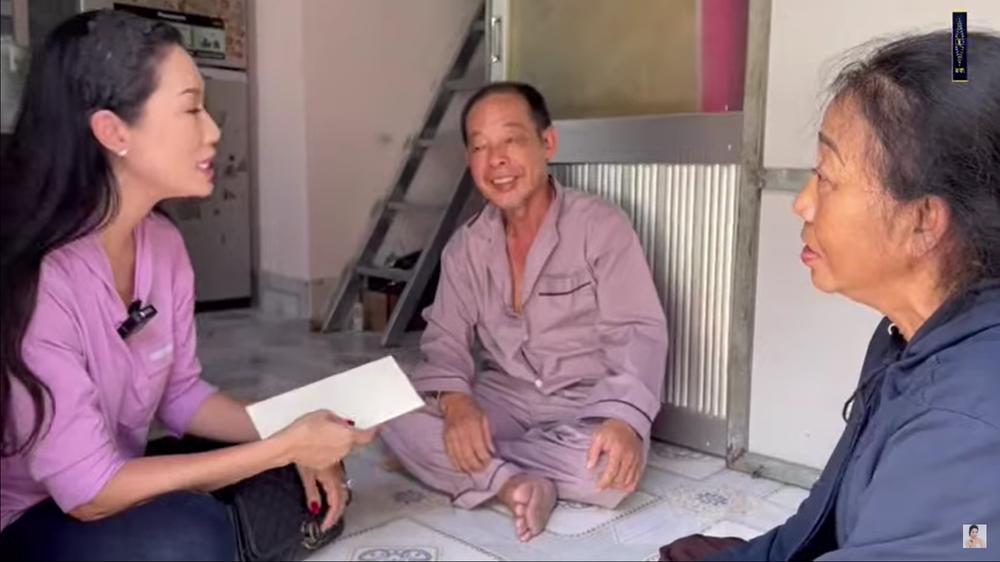 Nghệ sĩ Tuấn Anh bị đột quỵ, xuất huyết não, phải ở nhờ nhà, vợ chạy xe ôm, bán vé số - Ảnh 4.