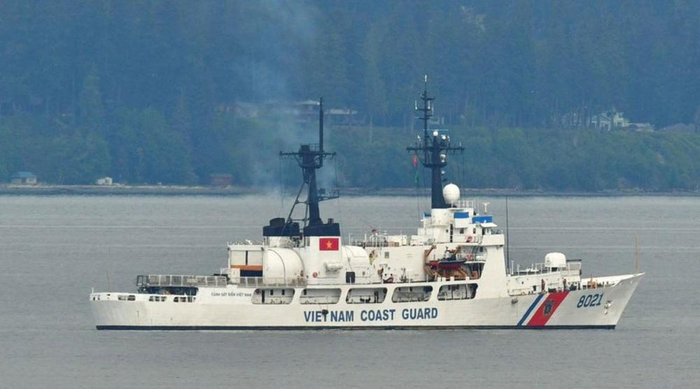 Hai tướng Mỹ lên thăm tàu Cảnh sát biển CSB 8021 bàn giao cho Việt Nam: Cập nhật mới nhất về hành trình về nước - Ảnh 1.