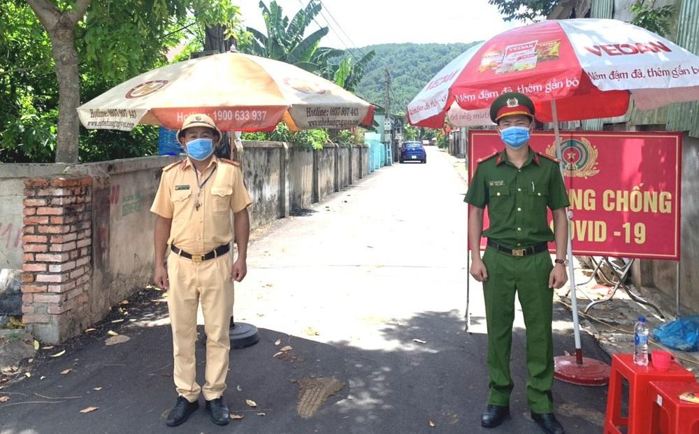 Hà Tĩnh: 2 con của cán bộ Bộ Chỉ huy Quân sự tỉnh nhiễm Covid-19