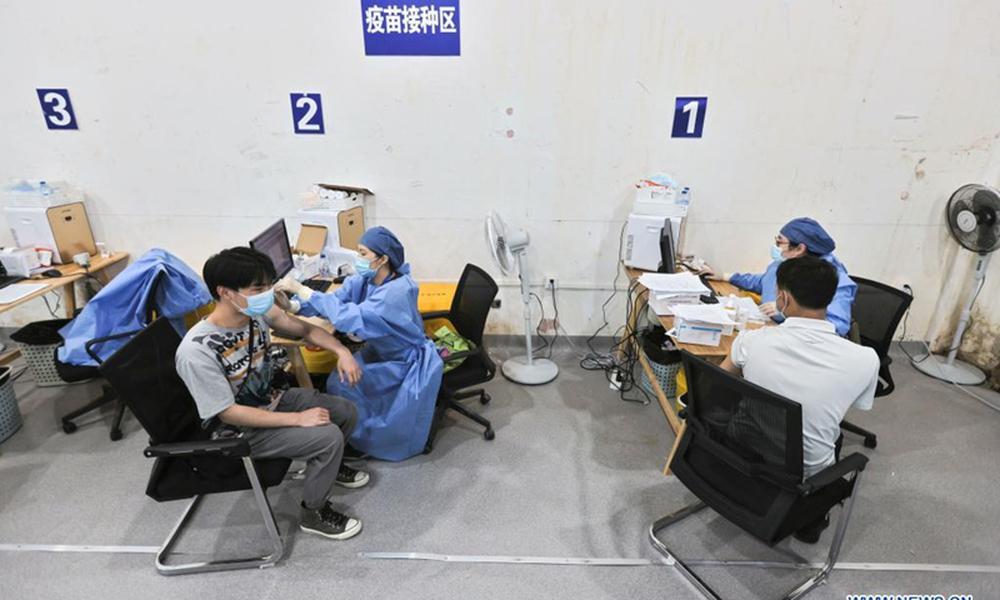 Trung Quốc tung ra vắc xin COVID-19 thứ 7, nâng năng lực sản xuất vắc xin lên hơn 6 tỷ liều/năm - Ảnh 1.