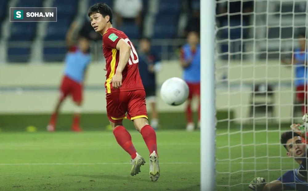 Đội hình ra sân Việt Nam vs Malaysia: Công Phượng, Văn Hậu đá chính
