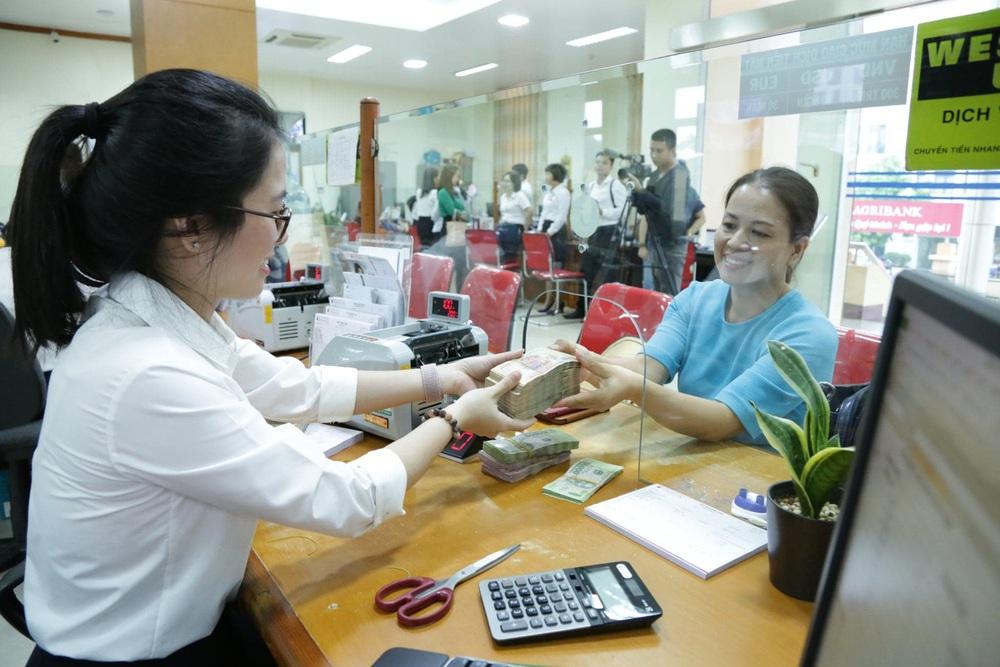Chủ tịch ngân hàng lớn nhất Việt Nam vừa trúng cử đại biểu Quốc hội khóa XV - Ảnh 3.