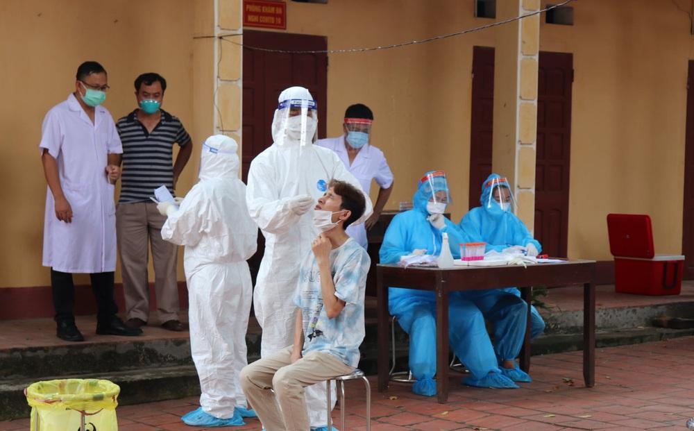 Hà Nội: Đội trưởng đội vệ sĩ Bệnh viện Đa khoa Đức Giang dương tính với SARS-CoV-2
