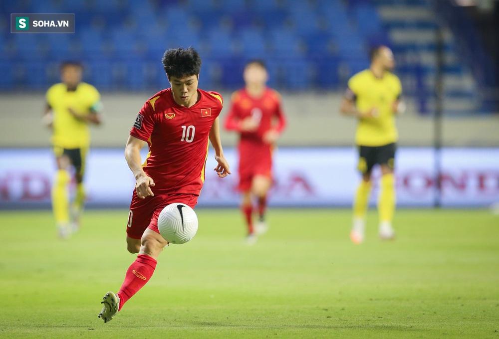 Công Phượng hợp để làm cầu thủ dự bị, hiệp 2 vào sân và tạo đột biến trước Trung Quốc - Ảnh 4.