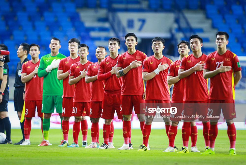 Chùm ảnh tuyển Việt Nam hân hoan với niềm vui chiến thắng Malaysia - Ảnh 2.