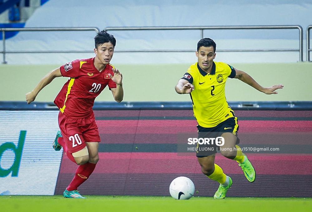 Chùm ảnh tuyển Việt Nam hân hoan với niềm vui chiến thắng Malaysia - Ảnh 13.