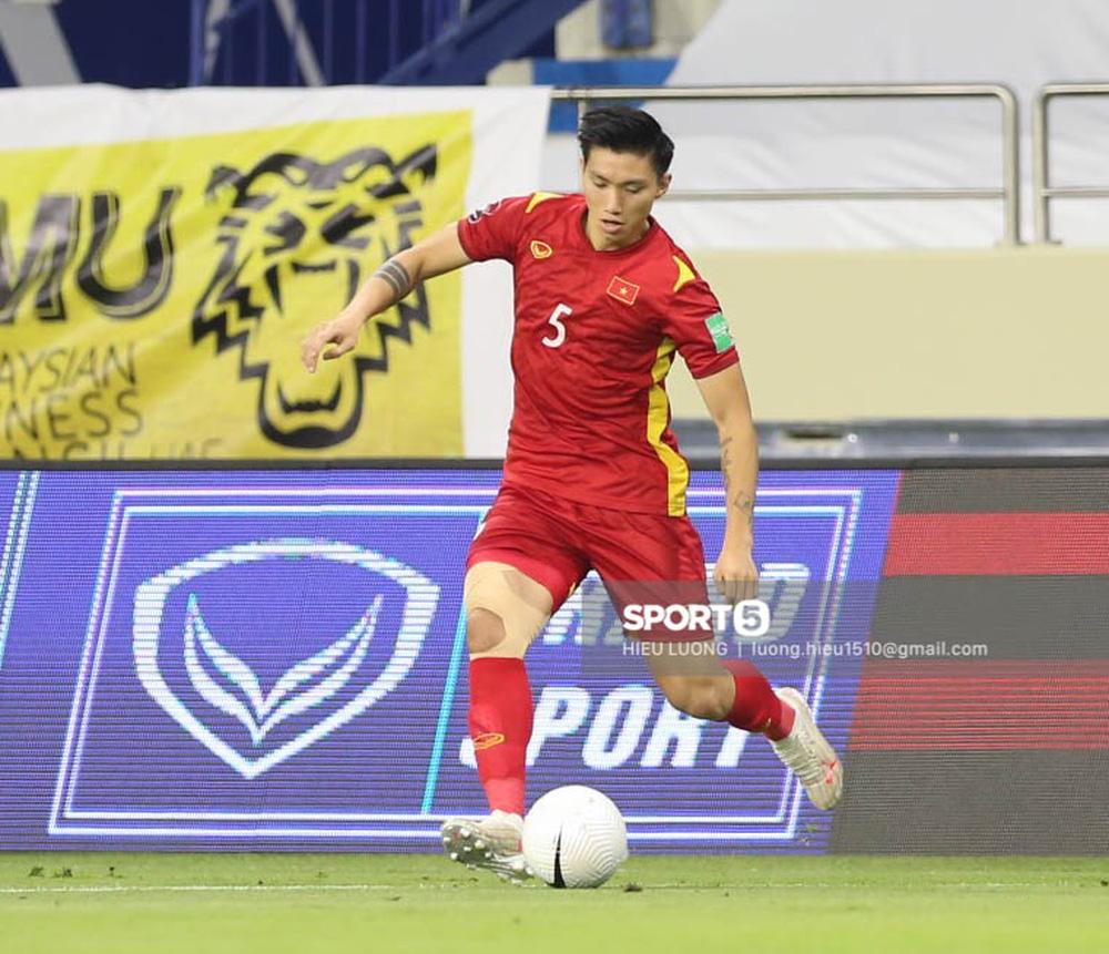 Chùm ảnh tuyển Việt Nam hân hoan với niềm vui chiến thắng Malaysia - Ảnh 16.