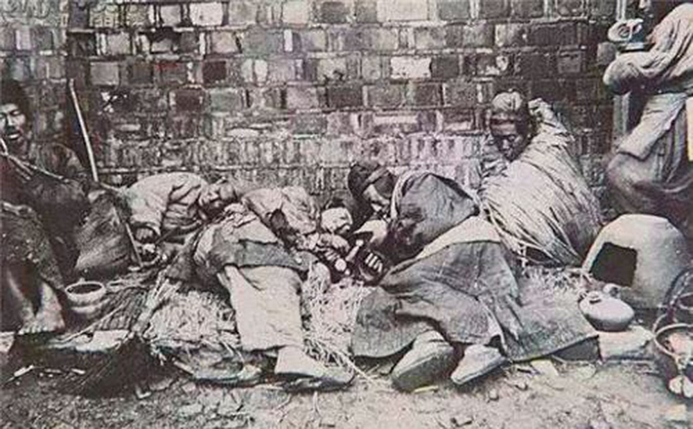 Thuốc phiện vốn rất đắt, tại sao người nghèo thời nhà Thanh vẫn hút? Việc làm của Từ Hi Thái hậu bị hậu thế muôn đời nguyền rủa