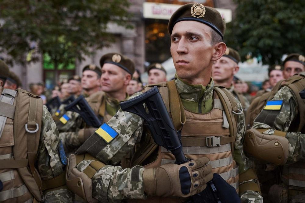 Trước thượng đỉnh Nga-Mỹ, Ukraine lại đưa ra đề nghị không tưởng:  Gửi lời đe dọa Moscow? - Ảnh 1.