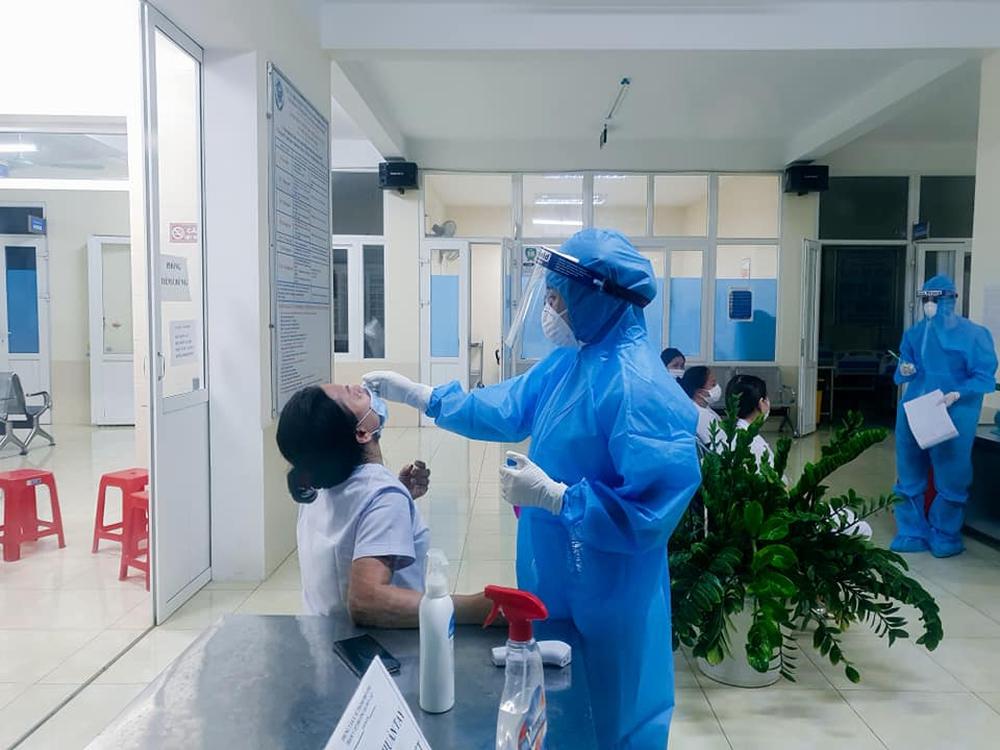 Nghệ An: 1 cô gái làm ở quán cắt tóc nhiễm Covid-19 - Ảnh 3.