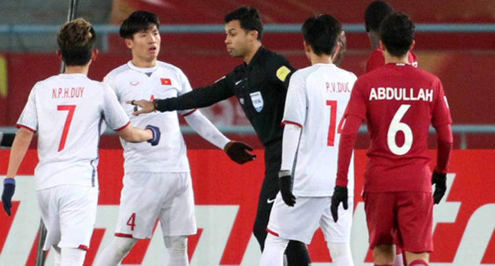 Báo Trung Quốc lo lắng tột độ khi đội nhà chạm mặt hung thần của bóng đá Việt Nam - Ảnh 1.
