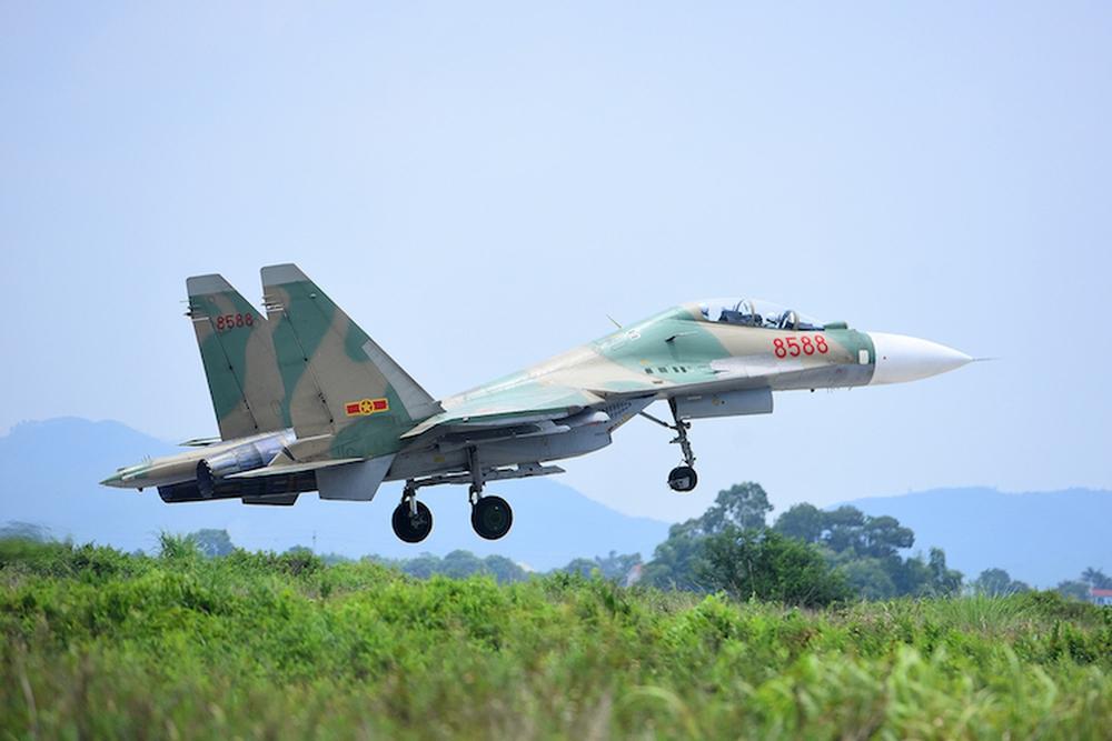 Mỹ sơn F-16 giống màu tiêm kích Không quân Việt Nam: Những điều thú vị từ camo ngụy trang - Ảnh 2.