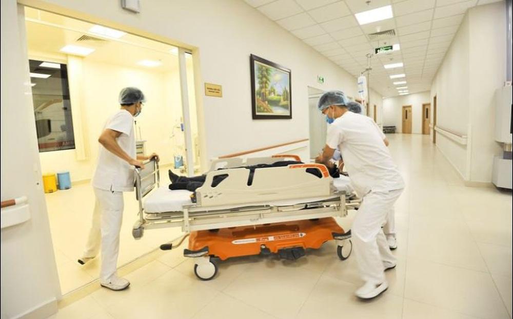 Sợ COVID-19 không đi khám, tự mua thuốc qua mạng, một người ở Hà Nội tử vong