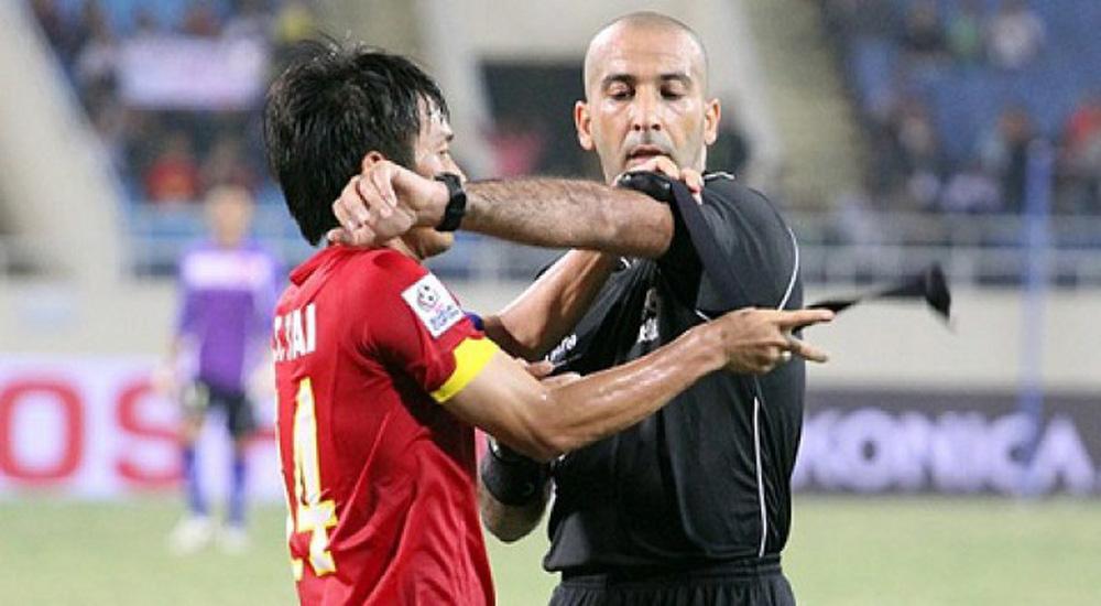 Trọng tài Tây Á bắt trận Việt Nam gặp UAE, từng khiến Công Phượng thua đau ở giải châu Á - Ảnh 1.