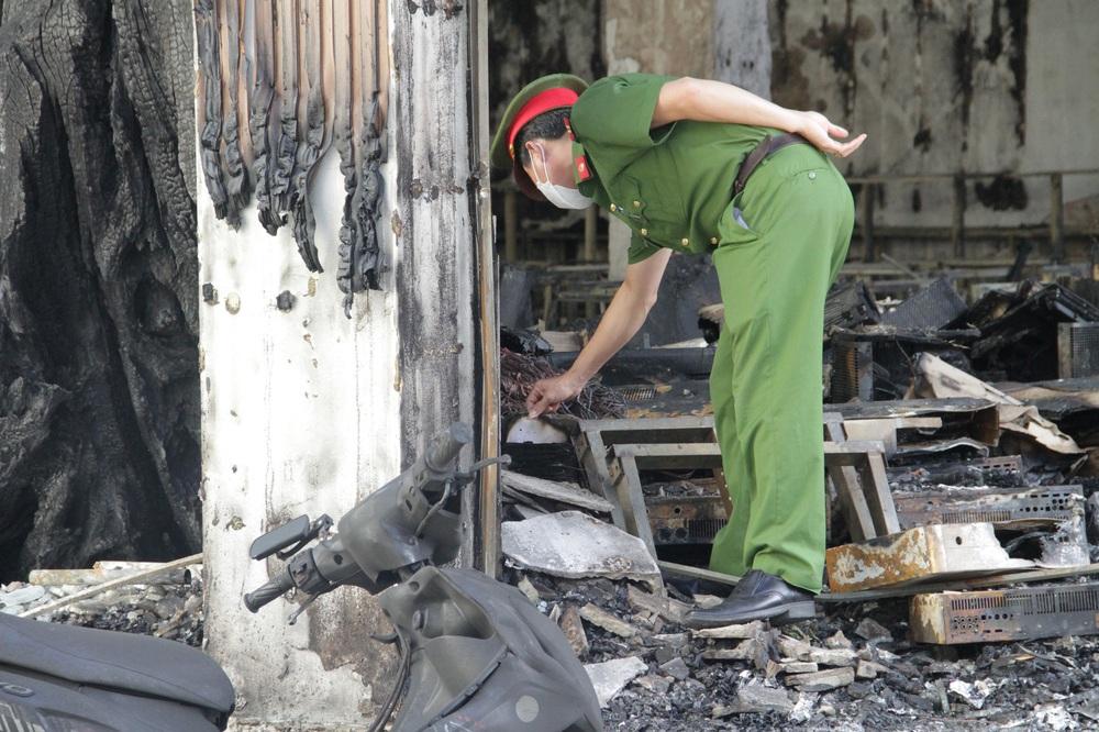 Vụ cháy phòng trà 6 người chết ở Nghệ An: Nhận định nguyên nhân ban đầu - Ảnh 2.