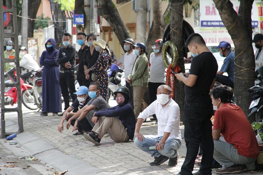 Vụ cháy 6 người chết ở Nghệ An xảy ra như thế nào qua lời kể của những nhân chứng đầu tiên tới hiện trường? - Ảnh 7.