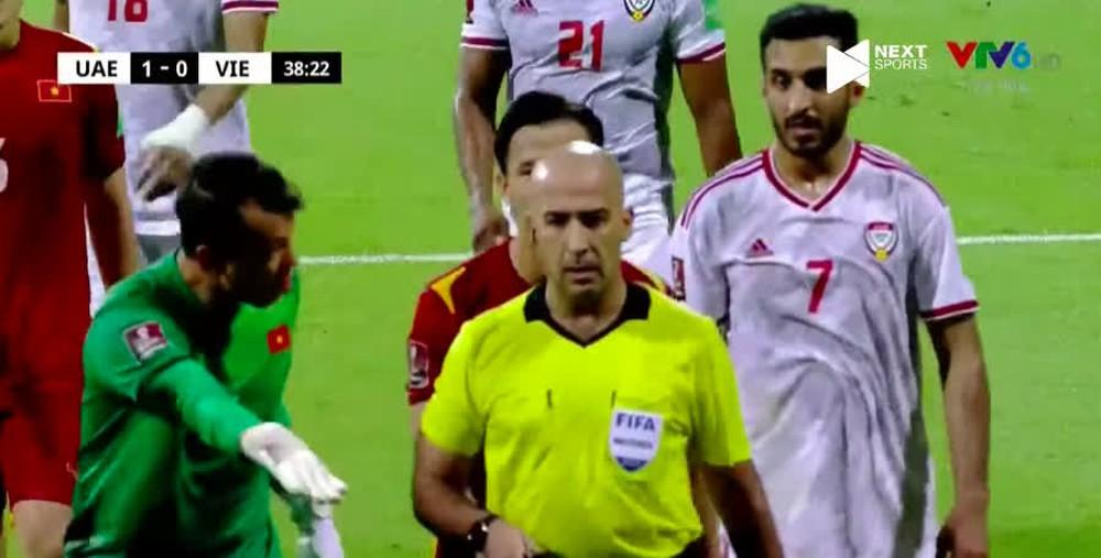 CĐV Việt Nam tràn vào page FIFA World Cup quyết lấy lại penalty cho Công Phượng  - Ảnh 4.