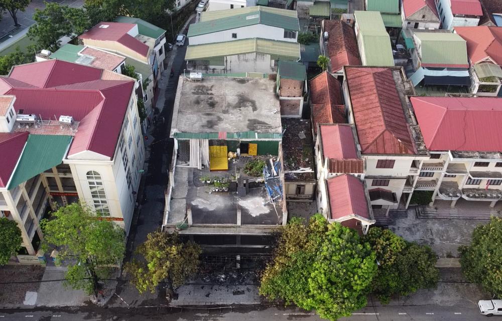Vụ cháy phòng trà 6 người chết ở Nghệ An: Vì sao các nạn nhân không thoát được ra ngoài? - Ảnh 12.