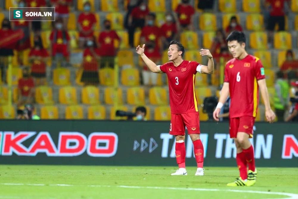 Ơn trời, trận thua UAE sẽ giúp đội tuyển Việt Nam tránh được vết xe đổ thảm hại của Thái Lan - Ảnh 2.
