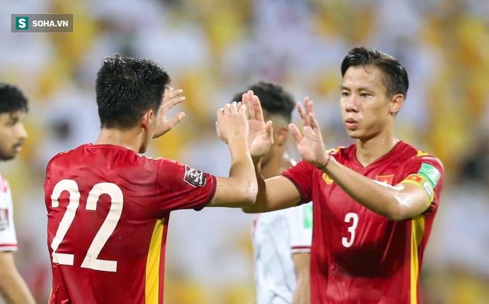 HẾT GIỜ UAE 3-2 Việt Nam: Việt Nam lập chiến tích lịch sử trong đêm kiên cường trước UAE
