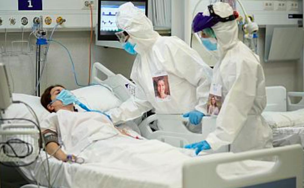 Việt Nam điều trị khẩn cấp nhân viên Liên Hợp Quốc mắc COVID-19 chuyển từ nước khác đến