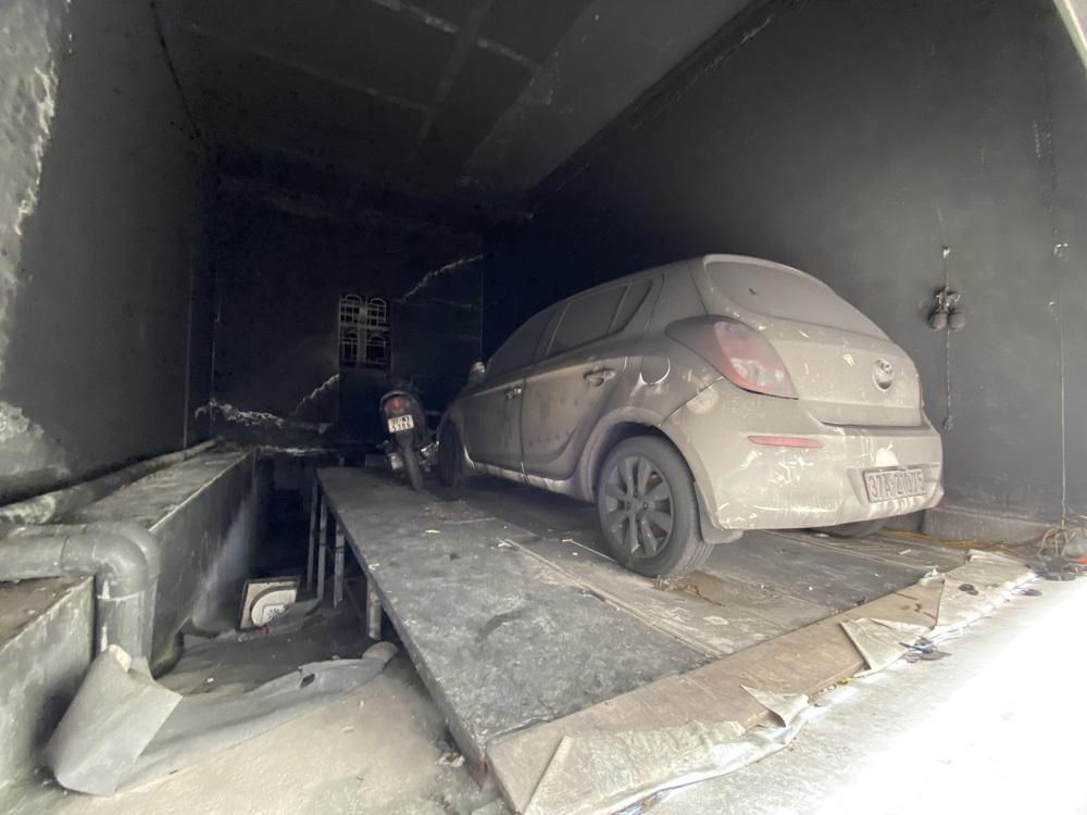 Vụ cháy phòng trà 6 người chết ở Nghệ An: Vì sao các nạn nhân không thoát được ra ngoài? - Ảnh 3.