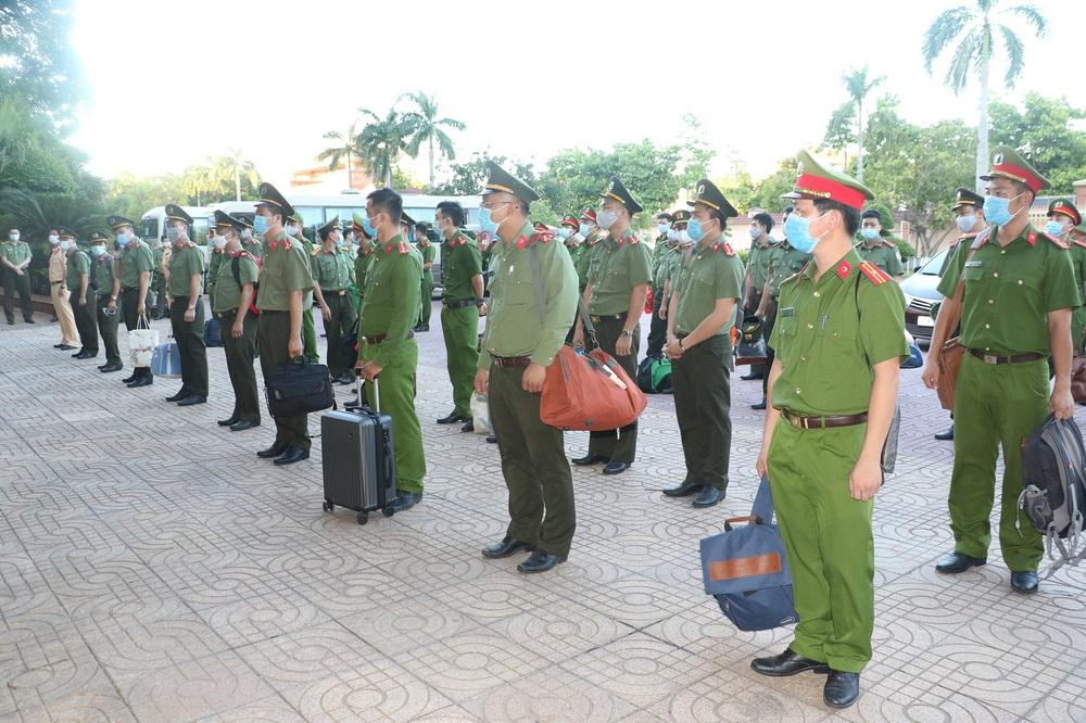 Cán bộ công an xã ở Nghệ An mắc Covid-19, tiếp xúc với hơn 6000 người - Ảnh 4.